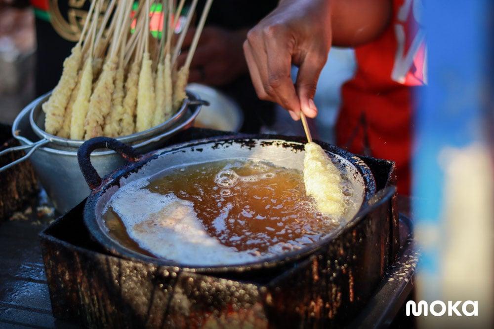 15 Makanan dan Minuman yang Cocok untuk Bazar - sosis telur gulung - 30 Peluang Usaha Sampingan Karyawan untuk Tambah Cuan