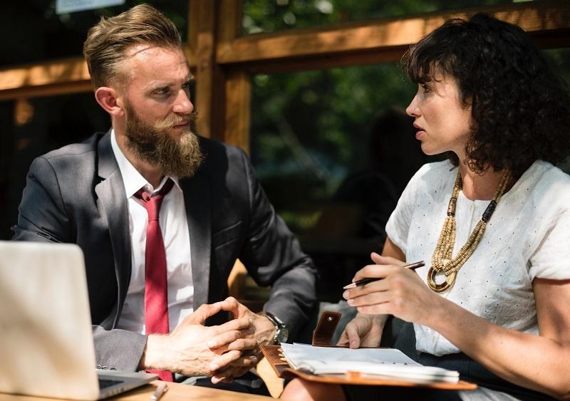 rekan bisnis - 12 Peluang Bisnis yang Menjanjikan Berdasarkan Shio pada 2020
