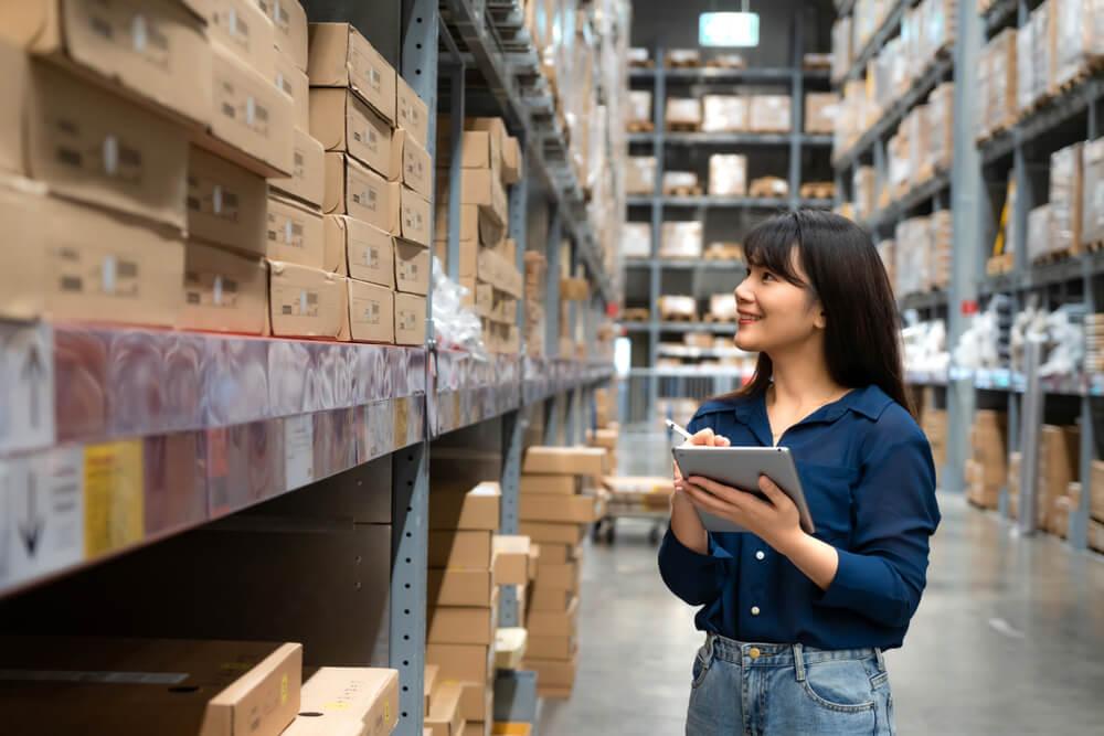 Membuat daftar barang baku sesuai kategori - manajemen inventaris