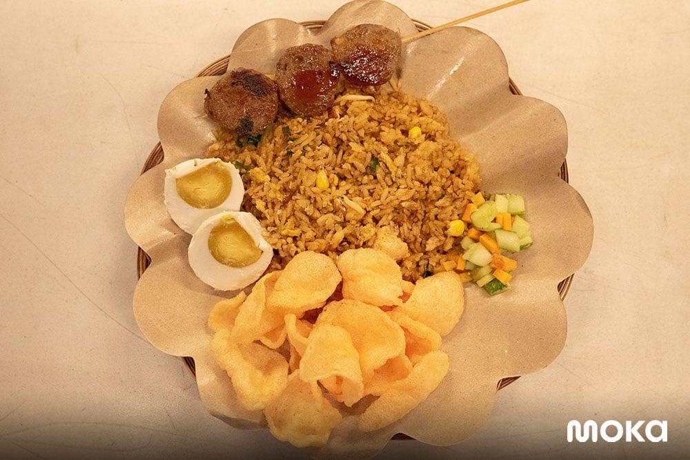 Nasi Goreng Simongol Bandung, Cara Memasak yang Unik Bikin Viral! (5)