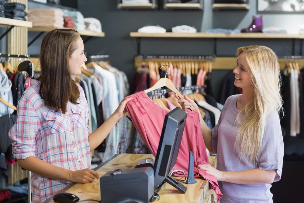 belanja pakaian -  Ide Bisnis Modal Kecil yang Cocok untuk Kaum Milenial