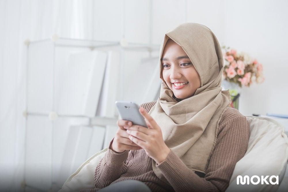 belanja online lewat ponsel - 5 Tips Sukses Jalankan Bisnis Pulsa dengan Modal Minim