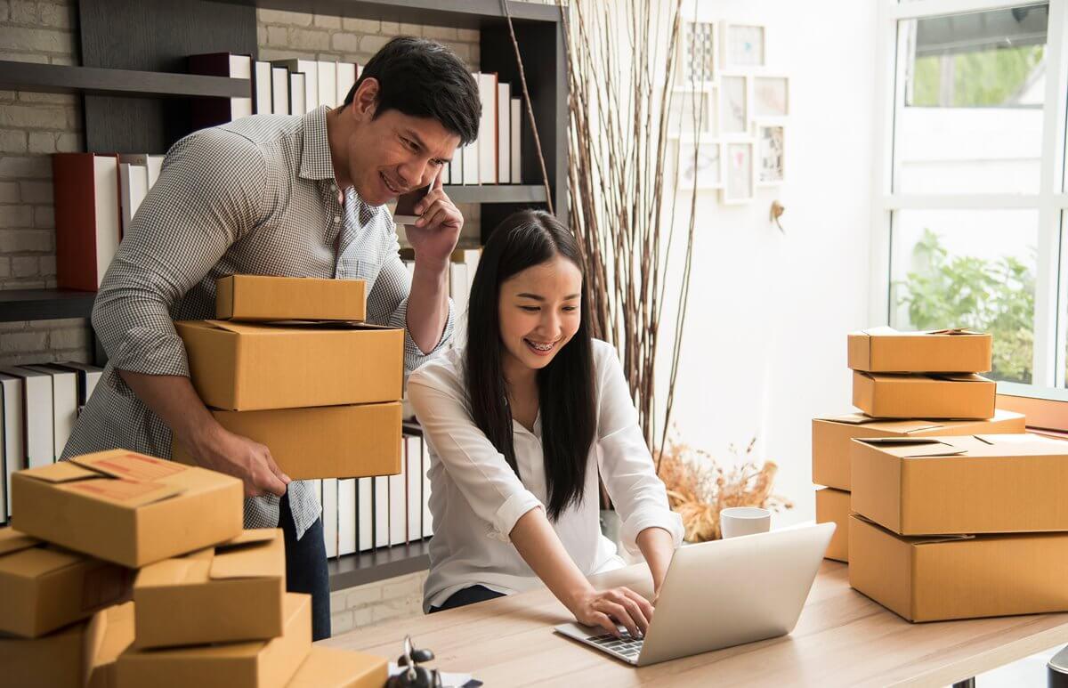 bisnis rumahan - karyawan -  Ide Bisnis Modal Kecil yang Cocok untuk Kaum Milenial - Moka Capital, Solusi Mudah Pinjaman Online