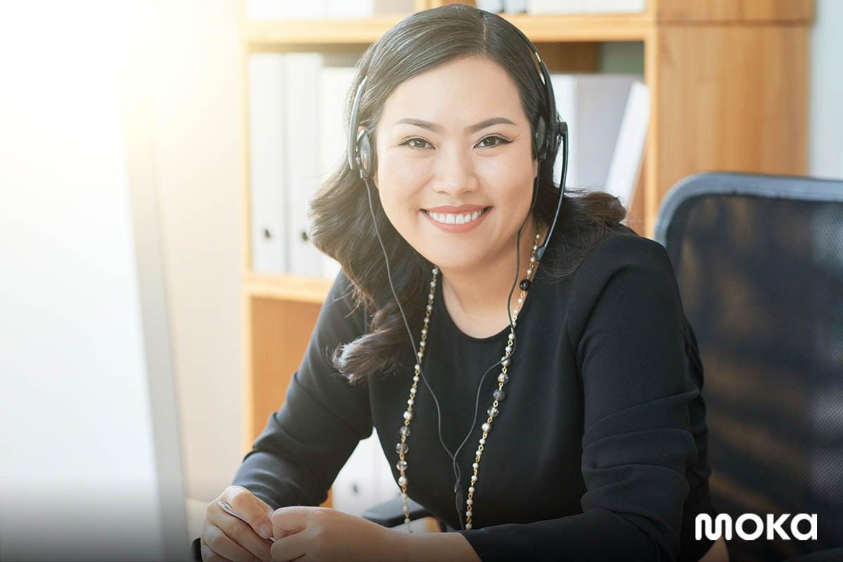 customer service - customer support - tetap berkomunikasi dengan pelanggan (1)