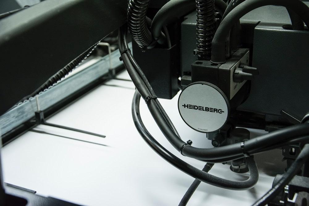 digital-printing-percetakan-andre-robillard-2113-unsplash-min