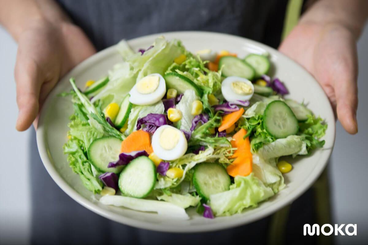 foto salad - contoh foto untuk promosi di social media ads yang baik