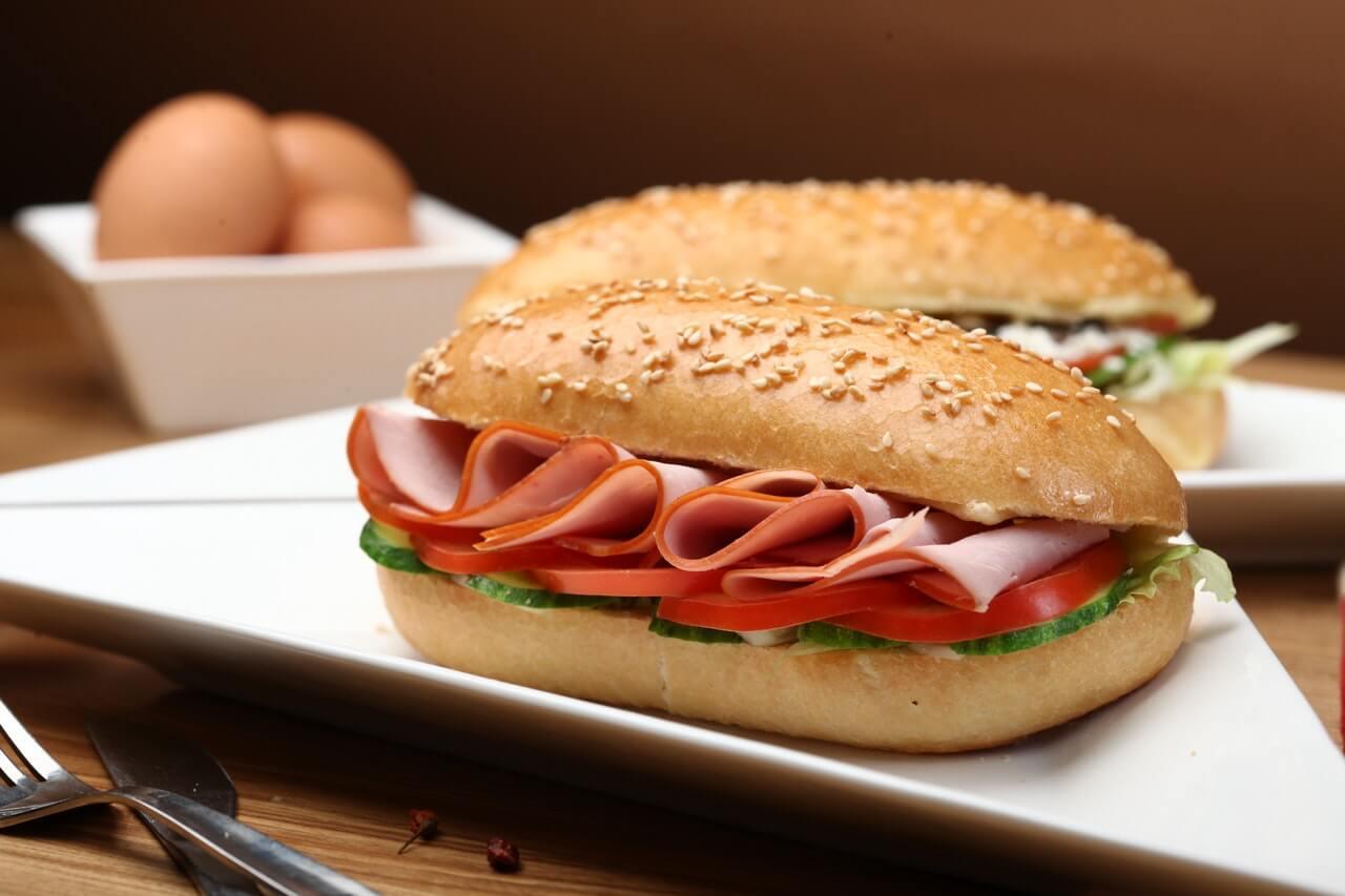 hotdog - menjual makanan ringan - peluang bisnis modal kecil untuk mahasiswa