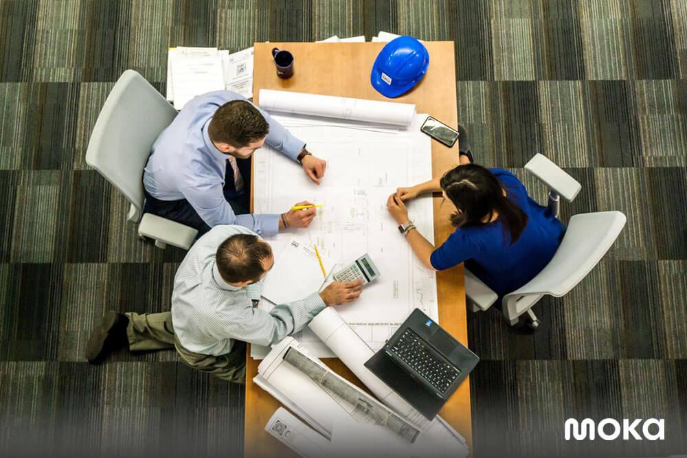 meeting business bersama klien