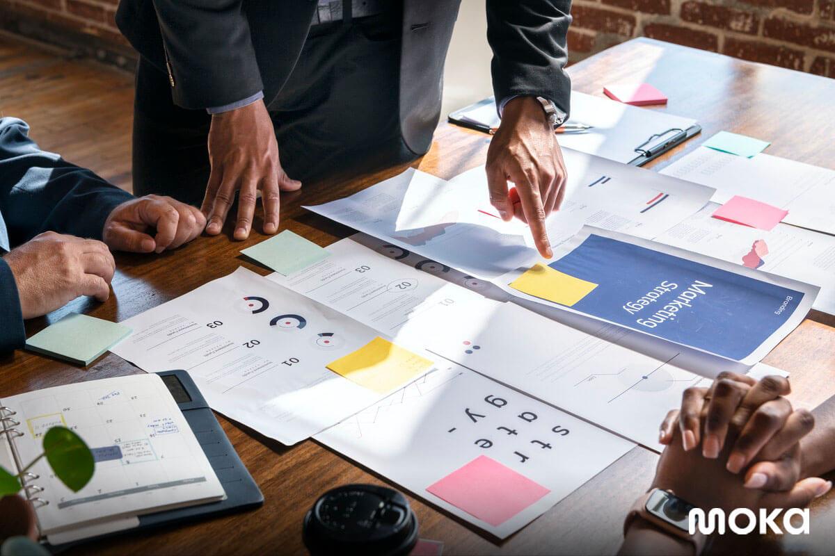 membuat rencana bisnis dan strategi marketing