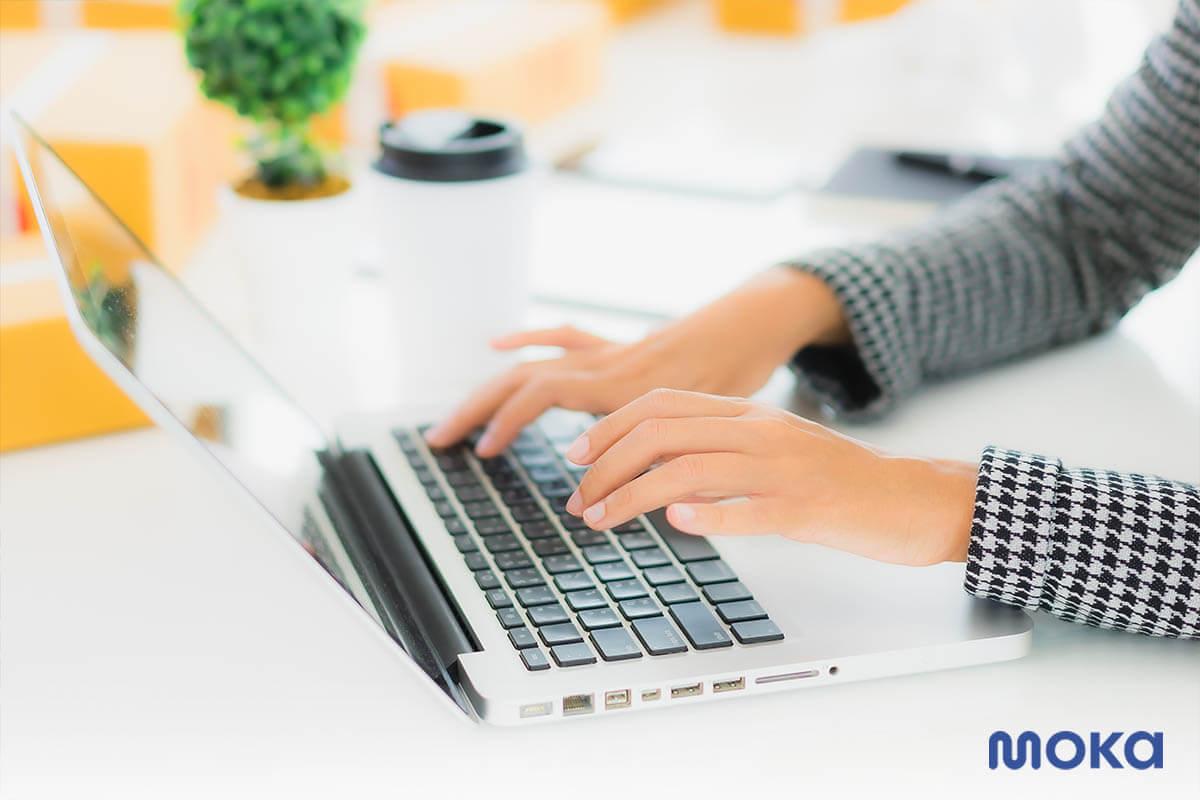 membuat toko online - laptop