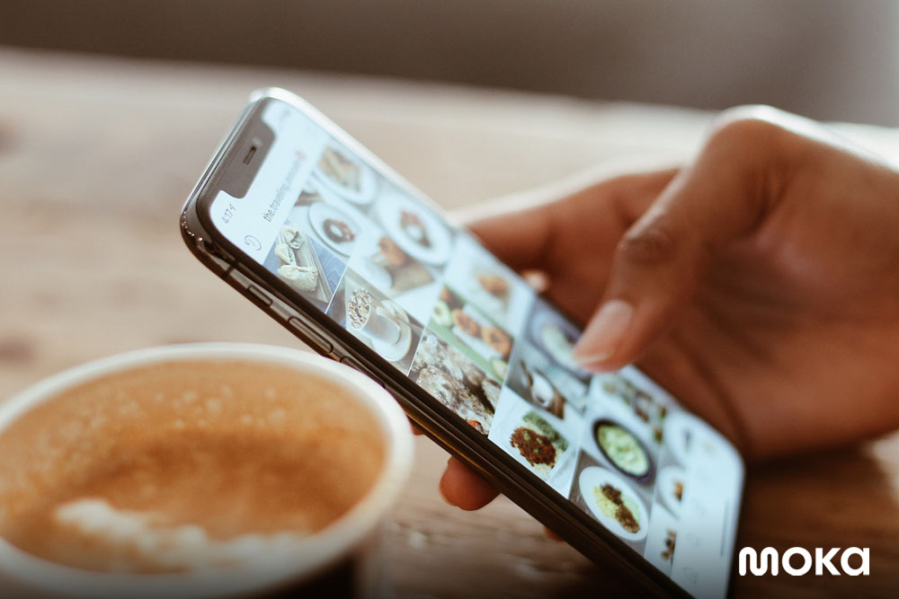 memfoto makanan dan minuman - endorsement - food blogger - Panduan Digital Marketing dan Social Media Ads - instagram ads, facebook ads