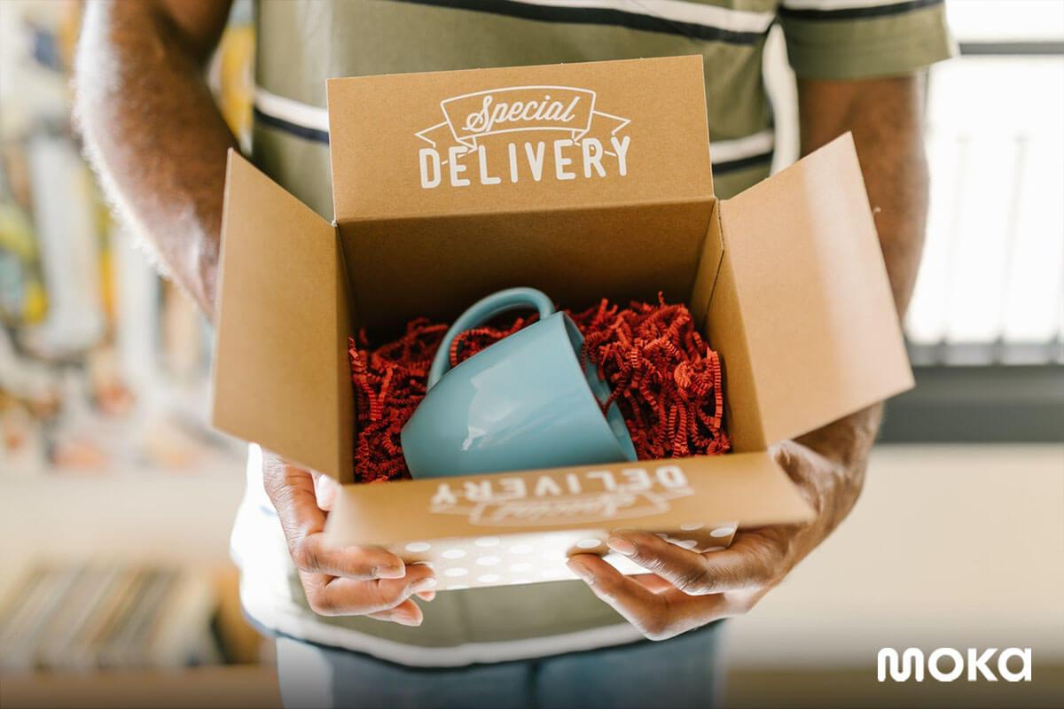 mencoba bisnis dropship - cara menjadi dropshipper - packaging 10 Tips Mendesain Label Produk Makanan Beserta Contohnya
