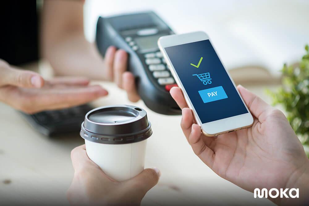 menggunakan pembayaran digital dan mendukung cashless society