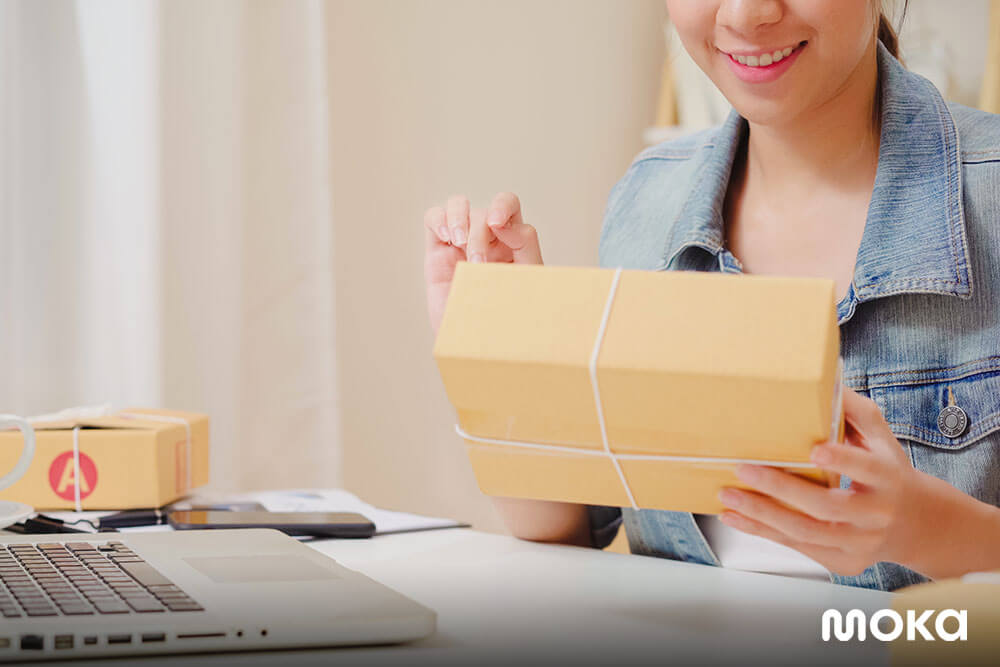 mengirim paket (2) - kemasan produk