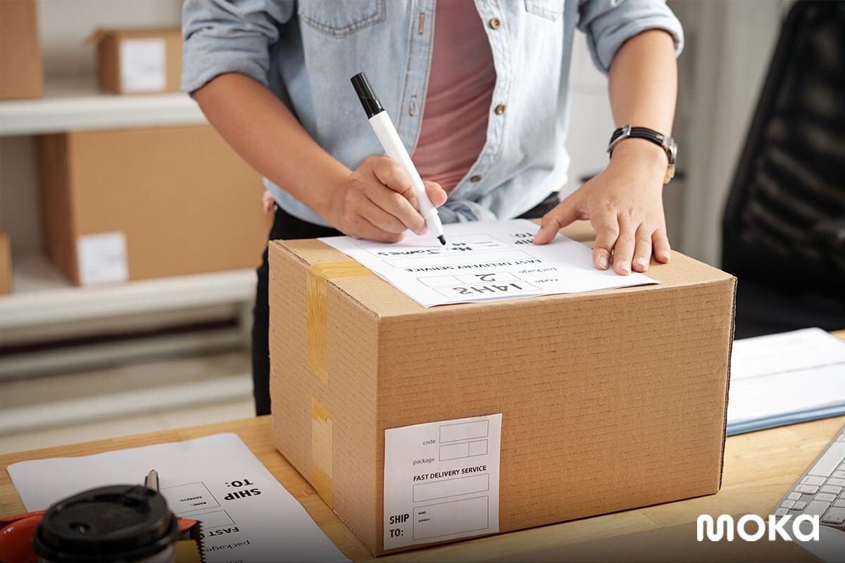 mengirim paket - bisnis online-1 - kemasan produk