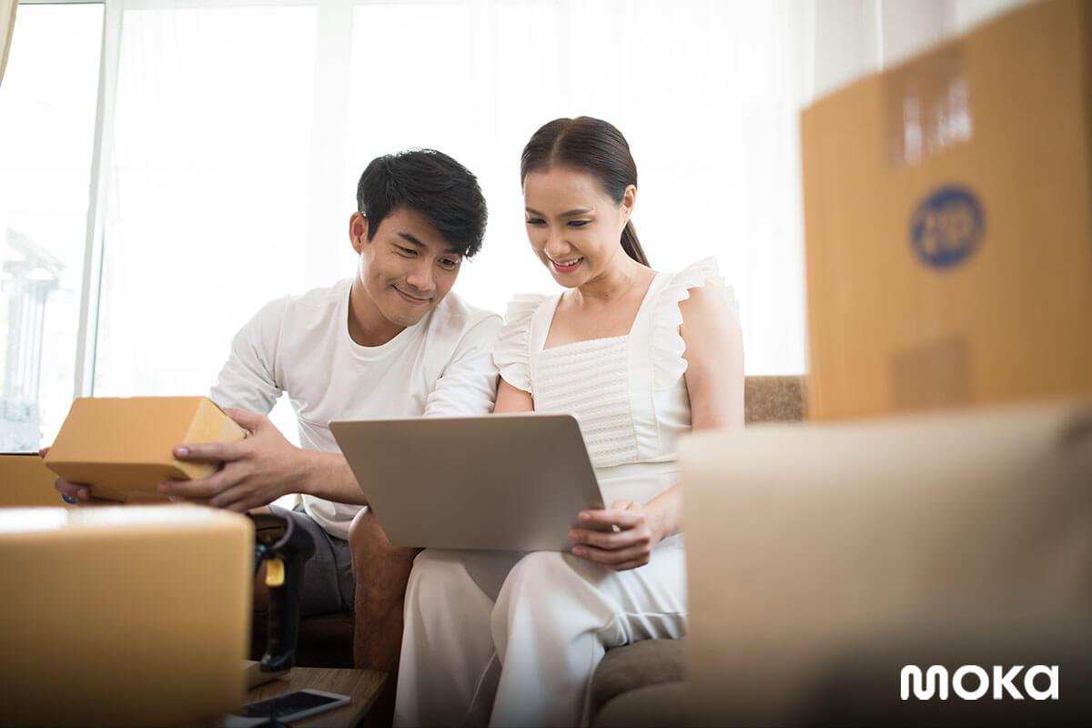 menjalankan bisnis rumahan bersama pasangan