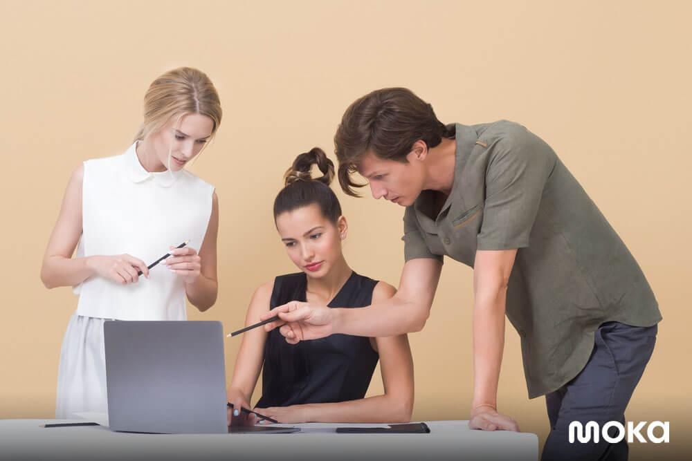 pebisnis harus menerima feedback dari orang lain - mengevaluasi kinerja bisnis - tanggapan konsumen