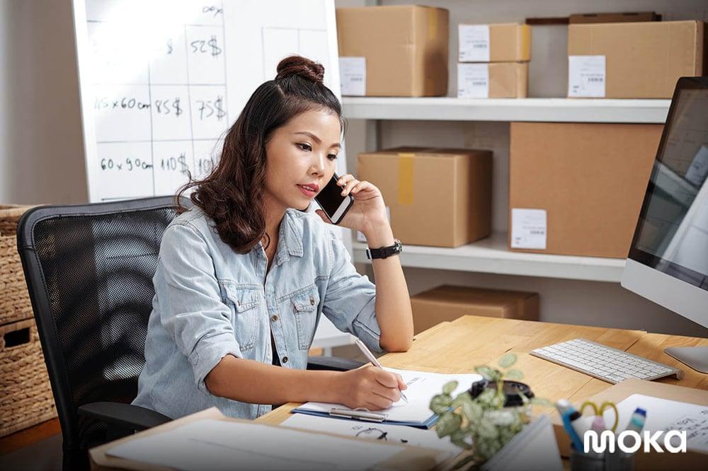 pebisnis yang memiliki toko online - 6 Strategi Bisnis di Era New Normal demi Penjualan Maksimal-customer database