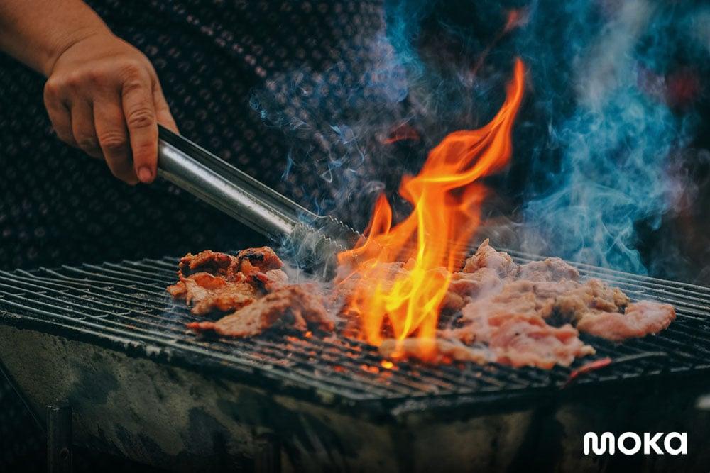 perlengkaan bisnis food truck berupa perlengkapan memasak