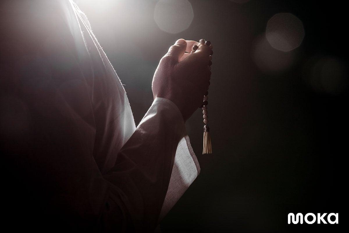 ramadan 6 - berdoa - salat - 25 Ucapan Menyambut Ramadan 2020 yang Kaya Makna